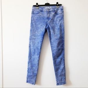 - Only jeans blue and white design